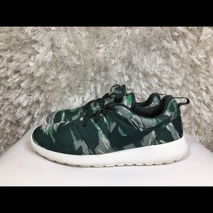 Nike Roshe Run GPX Camo Tiger Size 11